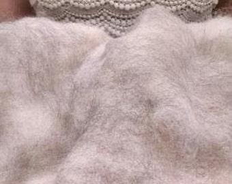 1 oz. 100% Baby Alpaca Fiber/Roving
