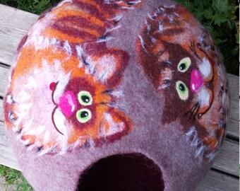 cat bed/ cat cave/ cat house/ cat cocoon/Happy cats