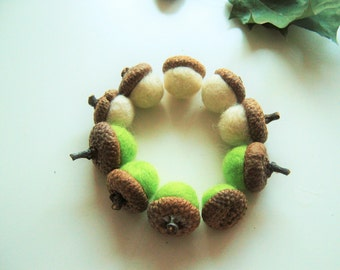8 Felt Acorns, Felt Ball Acorn Ornaments, Felted Acorns, Woodland Pom Pom Ornaments, Fall Decor Autumn, Thanksgiving Decor