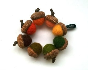 8 felt acorns, felt balls, autumn decor, acorn beads, acorn bead caps, acorn hats, oak tree, acorn tops, fall colors decor