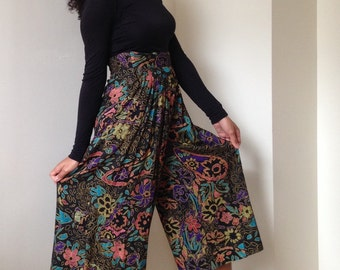80s First Option Floral Print Gaucho Palazzo Pants - Capris - Cropped Pants