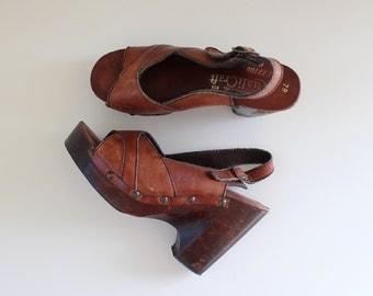 s a l e ... 1970s Wooden Platforms / Ipanema Platforms / Vintage 70s Leather Sandals / 6 6.5