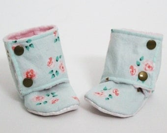 Baby slippers, Stay-on booties, Mint floral, Minky and cotton, Toddler boots, Children shoes, Warm and Cozy, Shower gift idea, Newborn