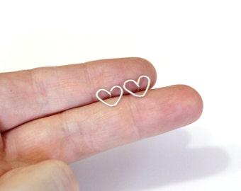 Heart sterling silver earrings, Tiny heart stud earrings, small earrings silver, minimalist, simple, everyday jewelry, heart earrings