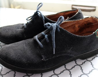 Step up to Blue Suede Shoes // Vintage Leather Oxfords Soft Blue Lace Up // Union Made in USA // Womens Size 7 // Preppy Elvis Walking Shoes