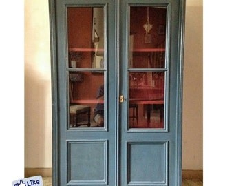 Old wooden Glazed display cabinet/Cupboard-early 900 | 2 doors, 3 shelves