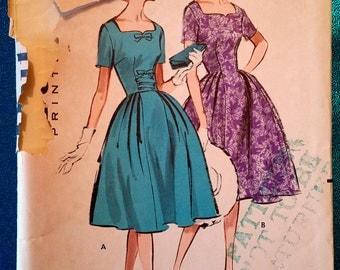 "Vintage 1959 sweetheart neckline dress sewing pattern - Butterick 8975 - plus size 16 (36"" bust, 28"" waist, 38"" hip) - 1950s"