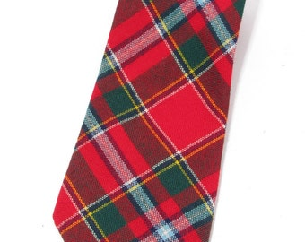 Lochcarron vintage wool tie in the Drummond tartan, made in Scotland