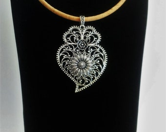 Portuguese necklace, viana's heart necklace, silver portuguese filigree, cork necklace with filigree pendant, portuguese jewelry