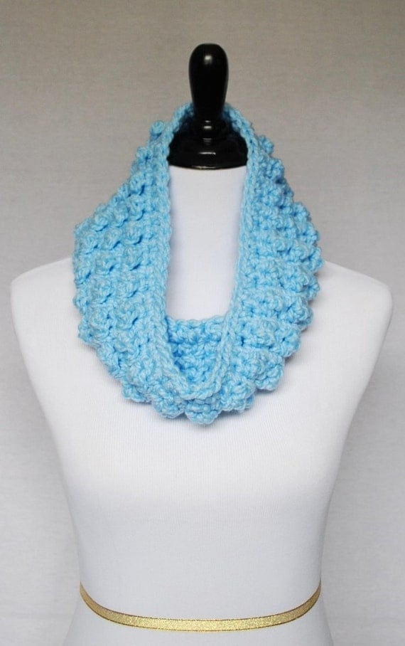 SALE! Blue Crochet Cowl, Bobble Neck Warmer, Short Infinity Scarf, Textured Crochet Collar Scarf -  Light Pastel, Sky Blue