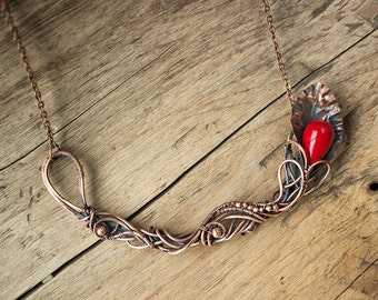 Copper statement necklace with bead of coral - Costume necklace - Wire wrapped necklace - Copper jewelry - Gift For her - Birthday gift