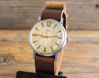 Vintage Pobeda mens watch, mechanical watch, vintage mens watch, vintage russian watch, ussr cccp, soviet watch