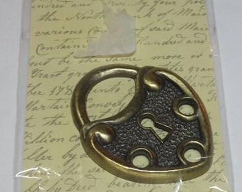 Lock shaped Large Metal Icon Natural Threads Scrapbooking Crafts Applique