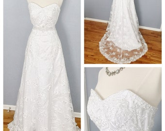 SALE! 50% off Sweetheart lace wedding dress, lace up back, strapless wedding dress, traditional, modern