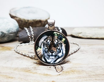 Tiger Pendant necklace Tiger Necklace Tiger Jewelry wildlife gift junglebook jewelry simba necklace tiger art gift big cat lover gift