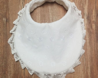 Overall bib & pacifier lace