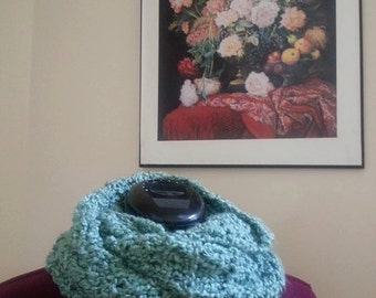 Mobius Cowl in Seaspray Green