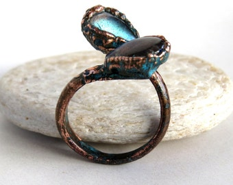 Electroformed labradorite cabochons open ring | Copper electroformed split ring with labradorite droplets | Labradorite split ring