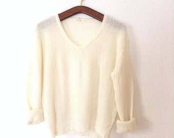 SALE Vintage White Pullover