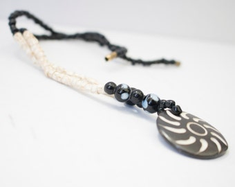 Mena Mode African Secialty Pendant Necklace