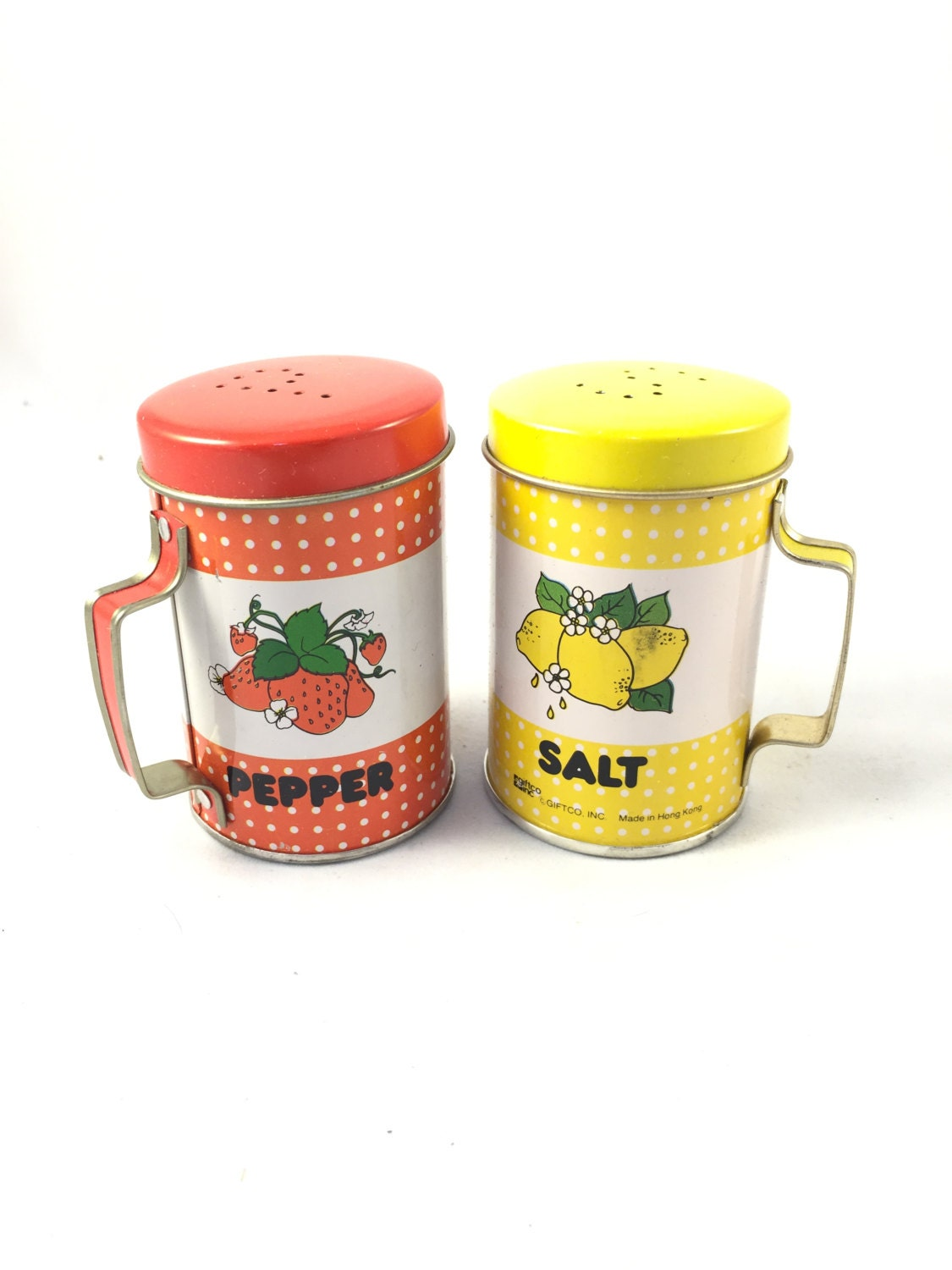 1985 metal colorful fruit salt and pepper shakers with handles Colorful salt and pepper shakers