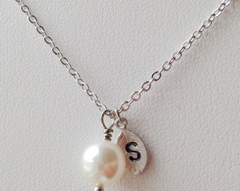 Bridesmaid Gift, Pearl with Personalized Initial Silver Leaf Necklace, Bridesmaid Gift, Personalized Bridesmaid Gifts