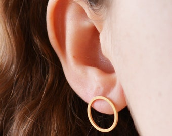 Circle Earring / Dainty Silver Earring / Statement Earring / Stud Earring / Everyday Earring / Simple Earring