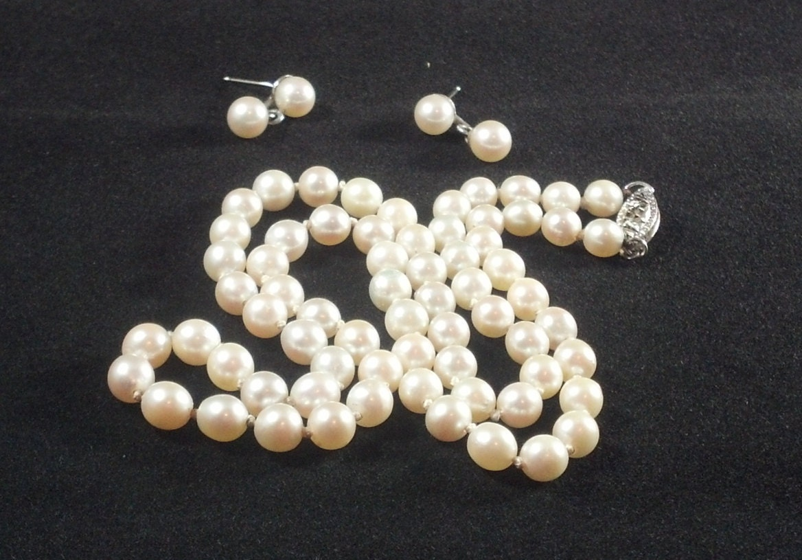 vintage cultured genuine pearl necklace w matching pierced