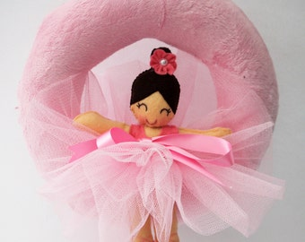Mini wreath with ballerina