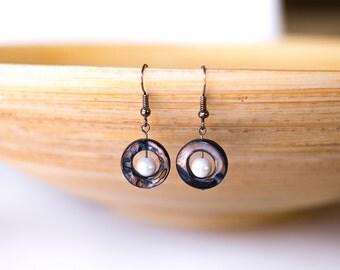 Pearl earrings, brown blue shell earrings, white seashell jewelery, mother of pearl shell earrings, ocean jewelery, beach jewelery
