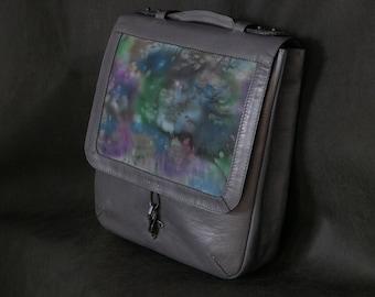 Рюкзак-портфель из натуральной кожи с тканевой вставкой The backpack-briefcase from genuine leather with textile insert