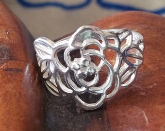 Bague argent pur - 925 - taille assez O 1/2 ou nous US 7.1/2 - pure silver ring,  solid silver. fine jewelry - Pretty flower design