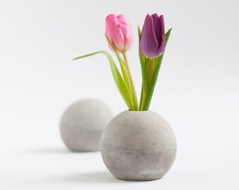 Concrete ball vase