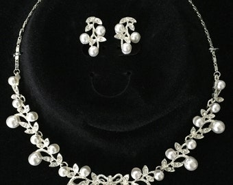 Silver Elegant Cute Bow Pearl Crystal Leaf Necklace w/ Matching Earrings