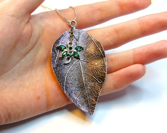 Giant Leaf with Damselfly/Dragonfly - Hanger