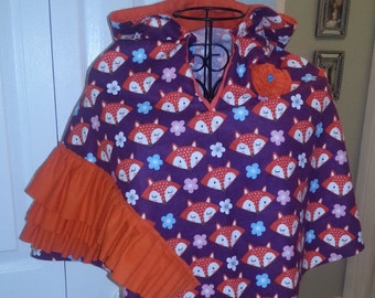 Hooded Poncho with fox print