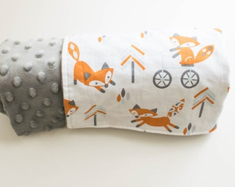 Handmade baby Blanket - Grey MInky Dot and white cotton with fox print - Baby shower Gift