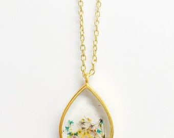 Resin Jewelry – Resin Necklace – Queen Annes Lace Necklace - Resin Pendant - Pressed Flower Resin Jewelry – Real Flower Resin Jewelry