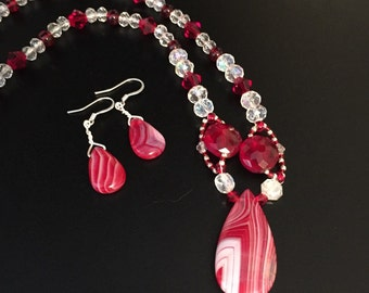Red crystal necklace with agate pendant and earrings, womens red necklace set, jewelry set, handmade beaded necklace
