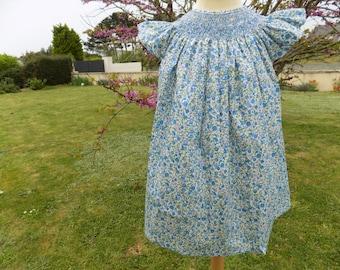 robe à smocks bleu,robe fille,liberty,robe,coton,imprimé,vêtement fille,2 à 12 ans,mode,fille,vêtement enfant,fait main/Floral/smocked dress