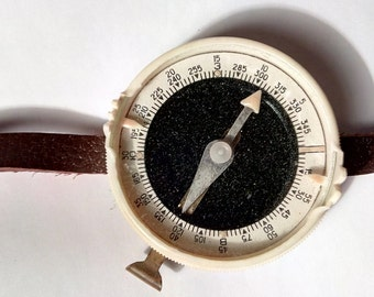 Soviet compass vintage collectibles 1969s plastic camping hiking tramping