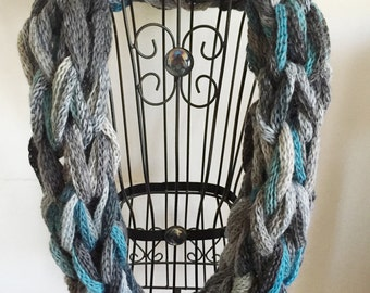 Blue & Gray Chain Infinity Scarf