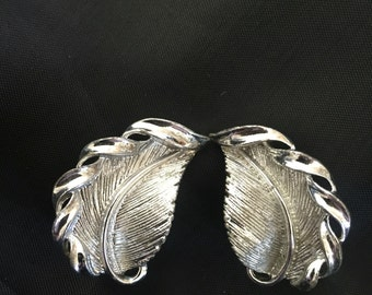 Earrings, clip on, Lisner, silver tone, leaf, FREE SHIPPING