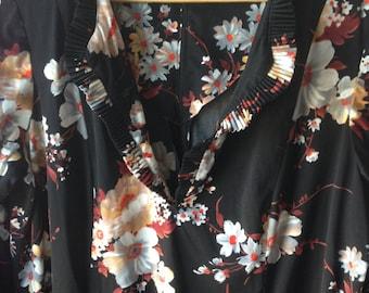 Plus size vintage 1970s floral ruffled maxi dress