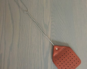 Leather fly swatter with heavy duty wire handle // vintage look // heavy duty