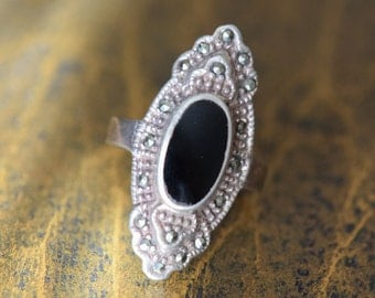 Beautiful Black And Hematite Vintage Boho Silver 925 Ring, US Size 5.0, Used