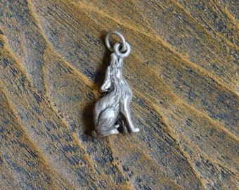 Howling Coyote Silver 925 Charm - FREE SHIPPING within USA