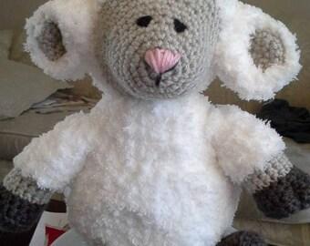 Baa-shfull the crocheted Sheep