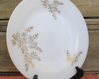 Vintage Federal Glass, Golden Glory, White with 22K Gold Decorations, 1950s Heat Proof Dinnerware, Old Federal Milk Glass Dinner Plates