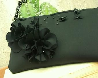 Neoprene pouch BLACK ROSES